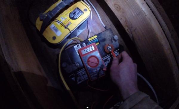 batteries in solar off grid cabin